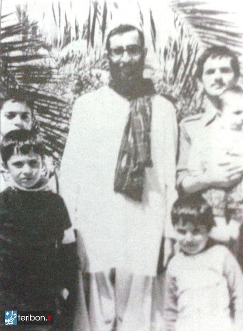 همسر و فرزندان اقای خامنهای نیز ۲۸ دیماه وارد ایرانشهر شدند.